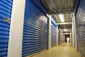 Learn all about how to choose the best storage option for your long distance move